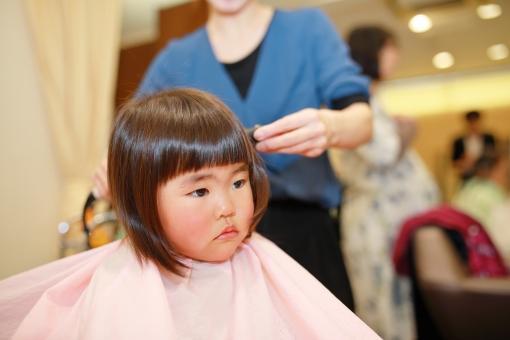 赤ちゃん髪の毛カットのコツ