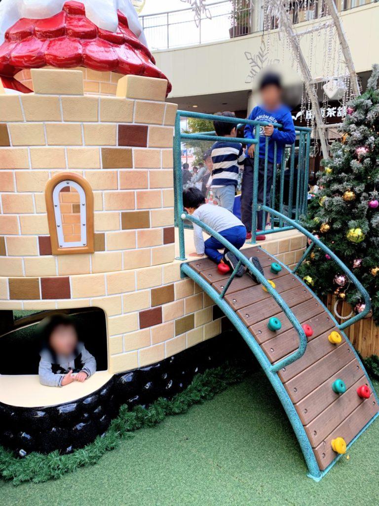 木の葉モール橋本のイルミネーション遊具の滑り台の画像