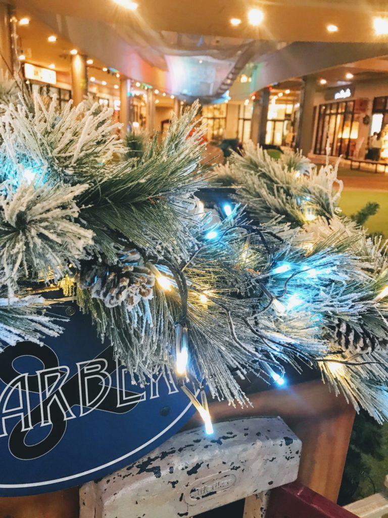 木の葉モールのクリスマスイルミネーションを近くで見た画像