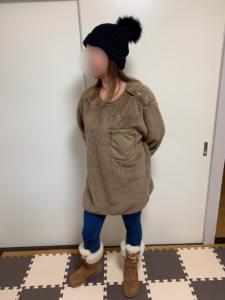 フリースプルオーバーのXLを女性が着用した画像