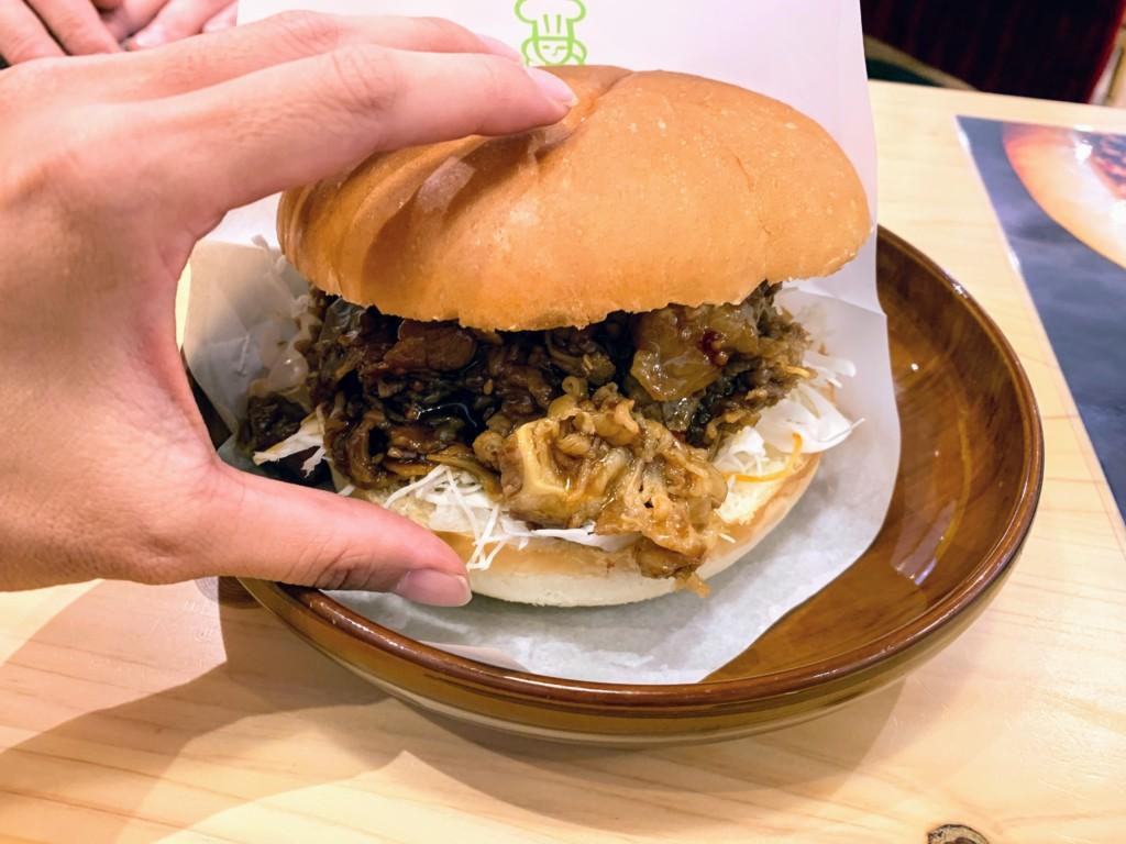 コメダ珈琲のコメ牛・肉だくだくを注文した画像