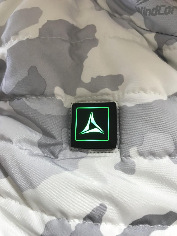 ワークマン着るコタツ・ヒーターベストの温度設定ボタン(緑)
