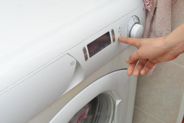 スキーウエアを洗濯機で洗う画像